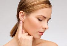 Przekłuwanie uszu w praktyce
