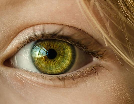 Jak wybrać najlepsze usługi okulistyczne